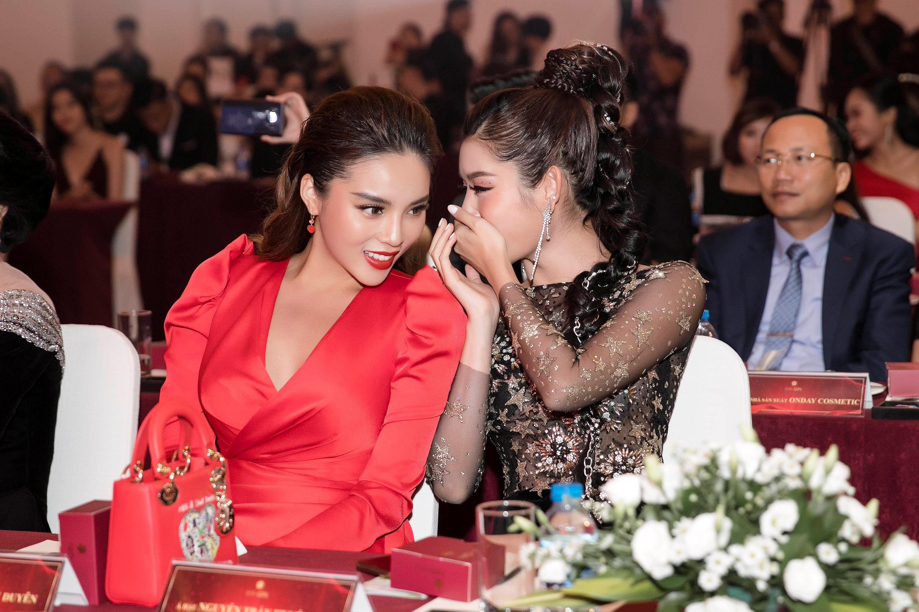 Á hậu Huyền My lộng lẫy tựa 'nữ thần', hội ngộ Hoa hậu Kỳ Duyên Ảnh 11