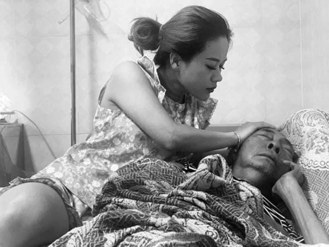 Sức khỏe chuyển biến xấu, nghệ sĩ Lê Bình tạm ngưng hóa trị Ảnh 1