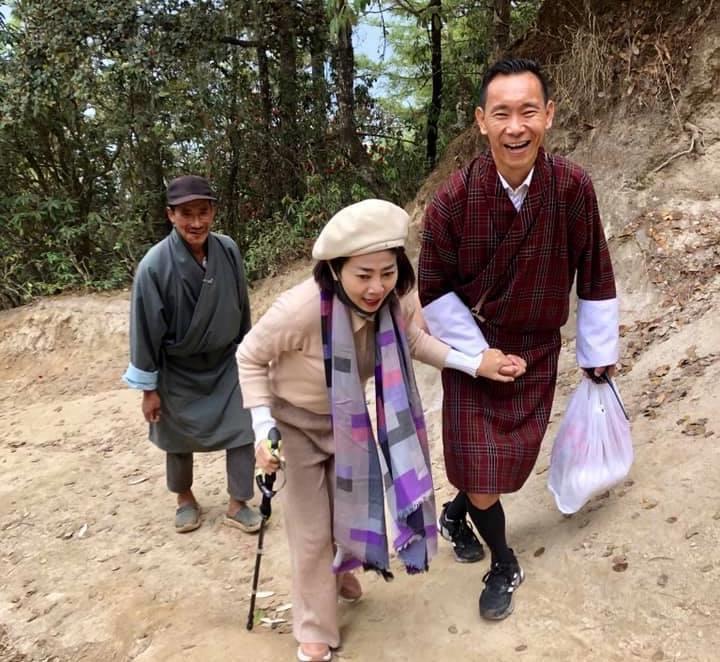 Mai Phương bị ung thư vẫn chinh phục đỉnh núi cao 3.000 m ở Bhutan Ảnh 2