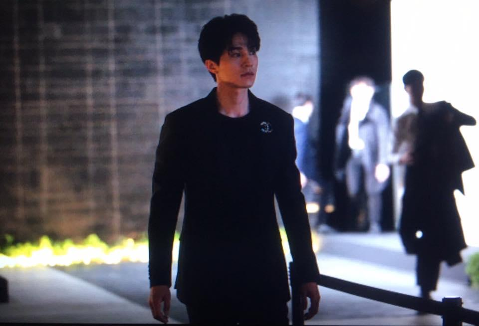 'Thần chết' Lee Dong Wook diện cả 'cây đen' hiến người ham mộ 'đổ rầm rầm' trước nhan sắc đỉnh cao Ảnh 10