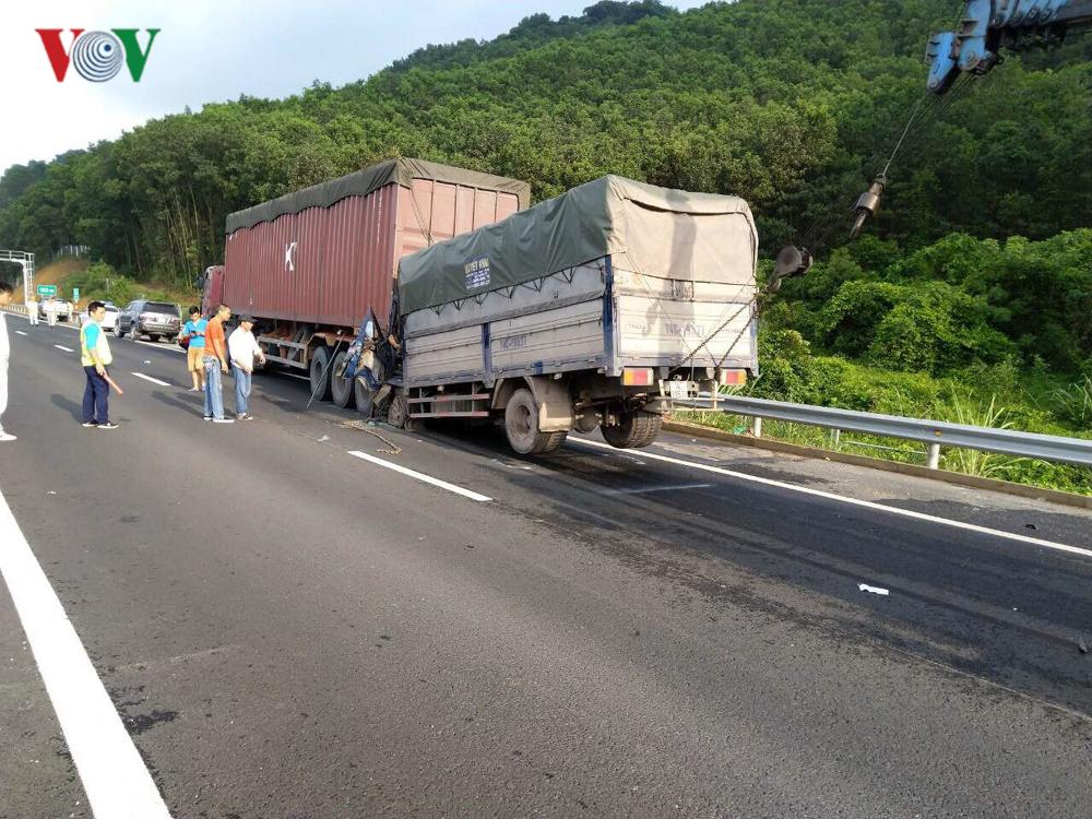 Tai nạn trên cao tốc Hạ Long - Vân Đồn, 1 người tử vong Ảnh 1
