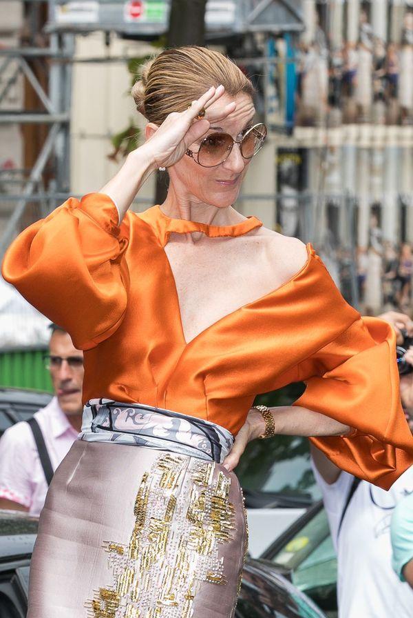 Dù là ngưỡng mộ hay tranh cãi, không ai có thể phủ nhận phong cách thời trang độc nhất của Celine Dion Ảnh 23