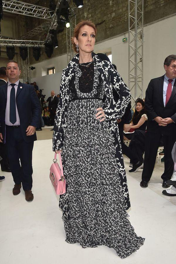 Dù là ngưỡng mộ hay tranh cãi, không ai có thể phủ nhận phong cách thời trang độc nhất của Celine Dion Ảnh 4