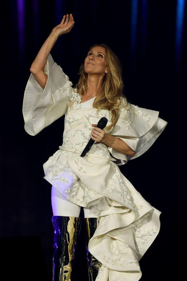 Dù là ngưỡng mộ hay tranh cãi, không ai có thể phủ nhận phong cách thời trang độc nhất của Celine Dion Ảnh 15
