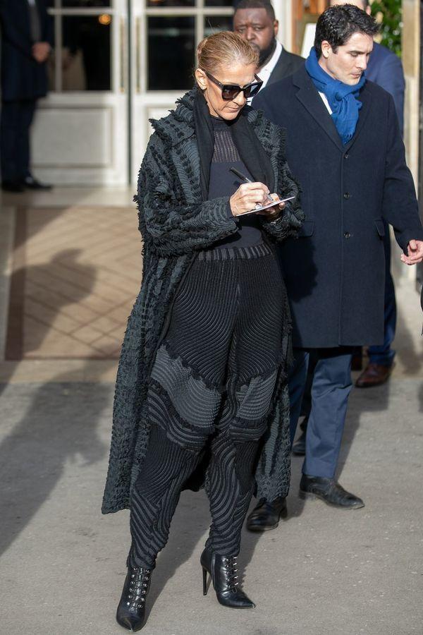 Dù là ngưỡng mộ hay tranh cãi, không ai có thể phủ nhận phong cách thời trang độc nhất của Celine Dion Ảnh 39