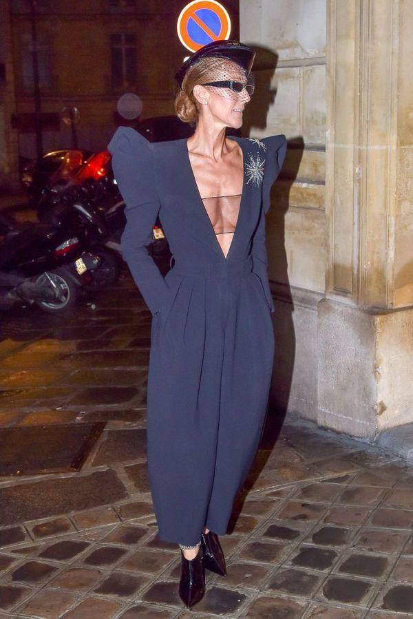 Dù là ngưỡng mộ hay tranh cãi, không ai có thể phủ nhận phong cách thời trang độc nhất của Celine Dion Ảnh 33