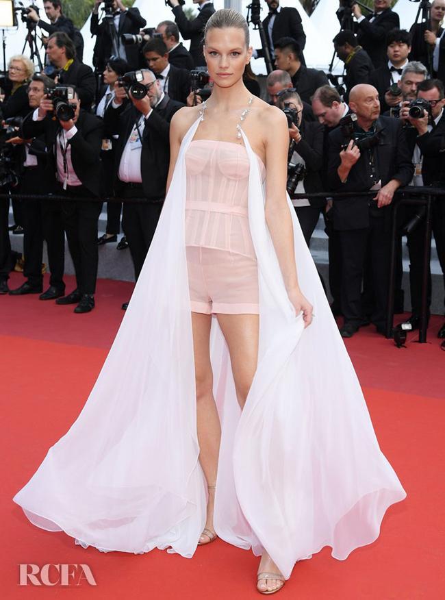Chiêu mặc hở hang, rẻ tiền để nổi tiếng của sao vô danh trên thảm đỏ Cannes 2019 Ảnh 4
