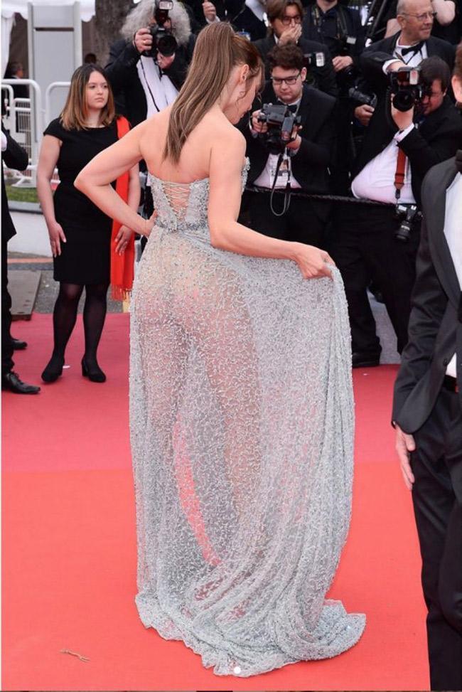 Chiêu mặc hở hang, rẻ tiền để nổi tiếng của sao vô danh trên thảm đỏ Cannes 2019 Ảnh 3