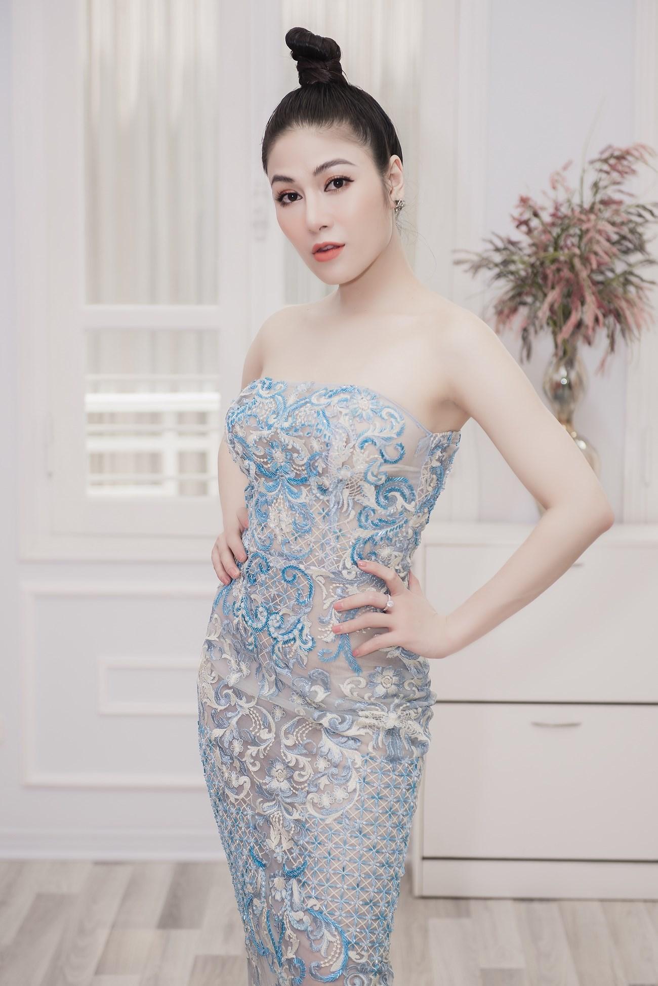 Người đẹp xứ Thanh mang 50kg trang phục tham dự LHP Cannes Ảnh 5