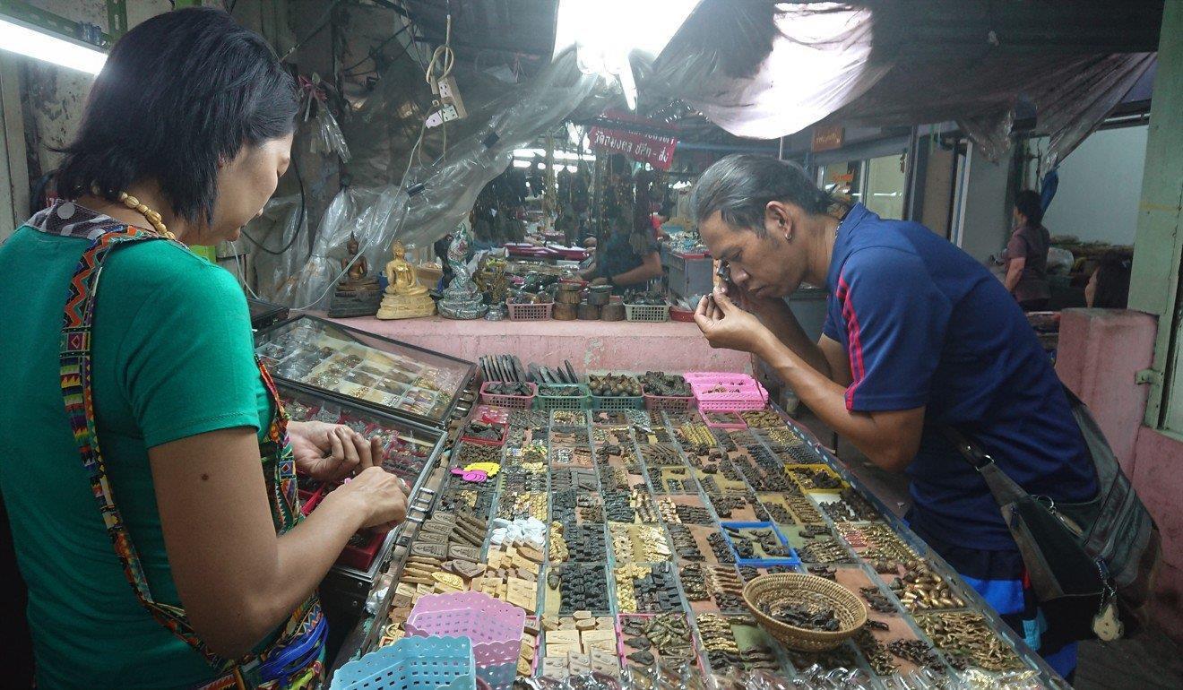 Thị trường buôn bán bùa hộ mệnh hơn tỷ USD ở Thái Lan Ảnh 1
