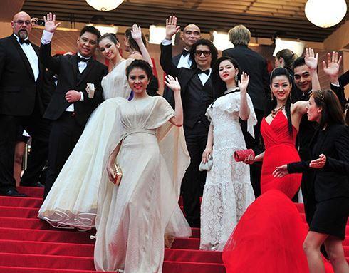 Những sao Việt nào từng khoe dáng gợi cảm ở LHP Cannes? Ảnh 20
