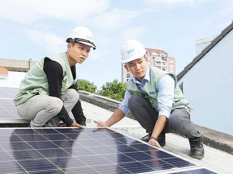 Xu hướng mới: Kinh doanh từ điện mặt trời áp mái Ảnh 2