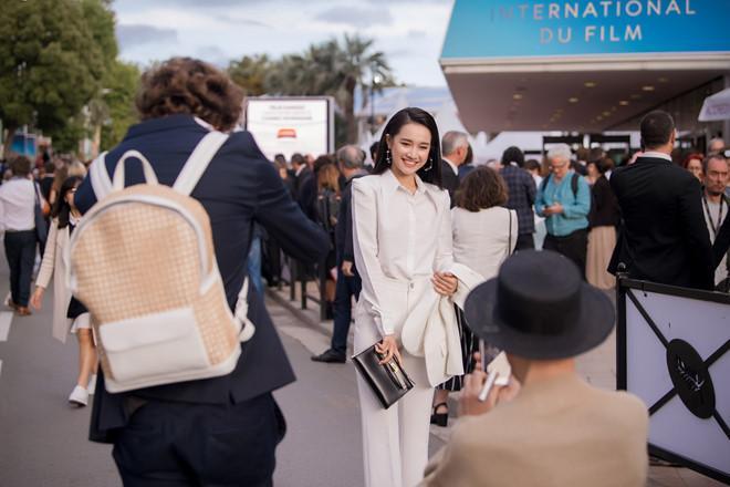 3 mỹ nhân không cần hở bạo vẫn thu hút ánh nhìn trên thảm đỏ LHP Cannes Ảnh 7