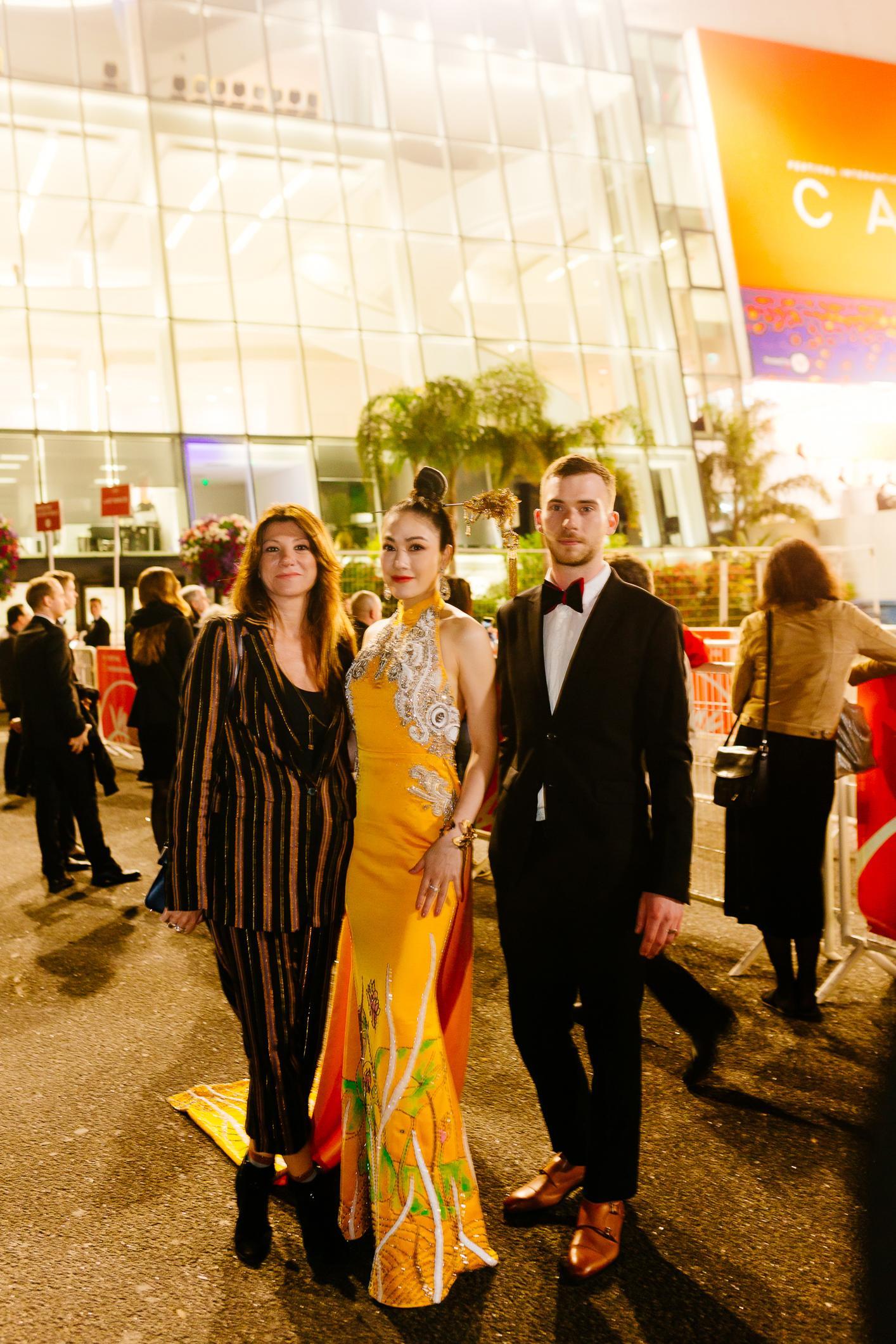 Sau Ngọc Trinh, thêm một người đẹp Việt 'náo loạn' thảm đỏ Cannes 2019 Ảnh 10