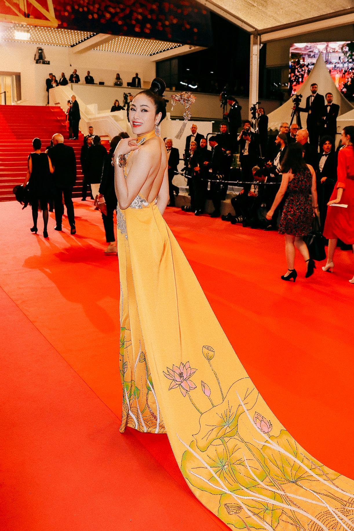 Sau Ngọc Trinh, thêm một người đẹp Việt 'náo loạn' thảm đỏ Cannes 2019 Ảnh 3