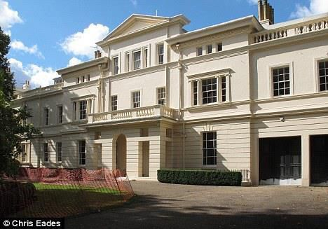 Danh sách bất động sản 'bom tấn' của ông chủ Chelsea Ảnh 2