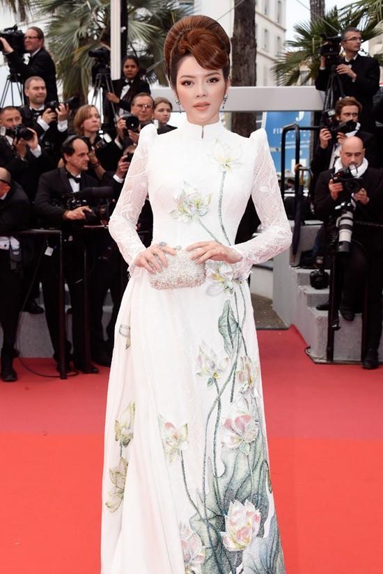 Không mặc hở hang như Ngọc Trinh, Lý Nhã Kỳ vẫn gây náo loạn thảm đỏ Cannes suốt 5 năm Ảnh 14