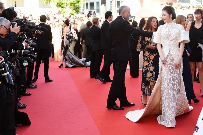 Không mặc hở hang như Ngọc Trinh, Lý Nhã Kỳ vẫn gây náo loạn thảm đỏ Cannes suốt 5 năm Ảnh 11
