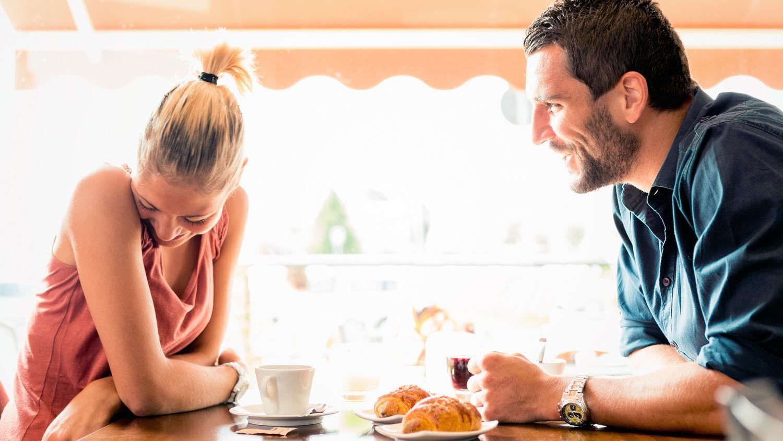 7 kiểu phản ứng phổ biến của chị em khi hẹn hò bị bắt chia tiền phở Ảnh 5