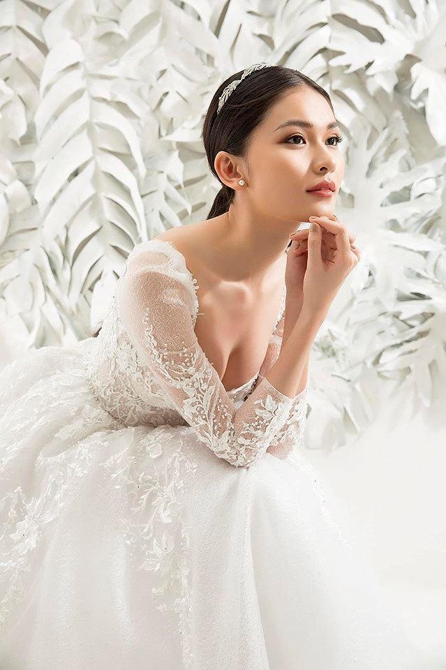 Sau khi công khai bạn trai, Á hậu Thùy Dung gợi cảm với váy cưới xuyên thấu Ảnh 2