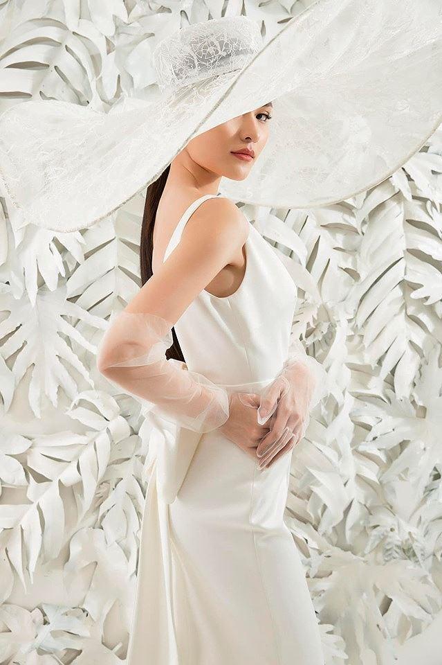 Sau khi công khai bạn trai, Á hậu Thùy Dung gợi cảm với váy cưới xuyên thấu Ảnh 6