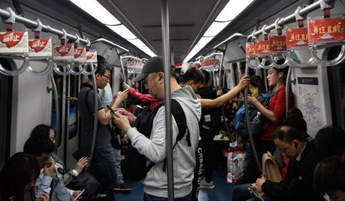 Văn hóa làm việc '996' vắt kiệt sức lực người trẻ Trung Quốc Ảnh 2