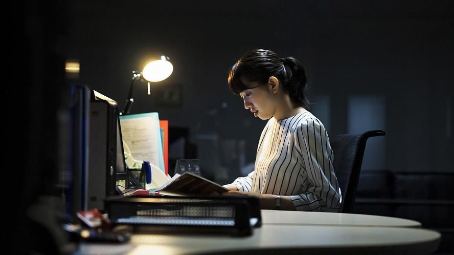 Văn hóa làm việc '996' vắt kiệt sức lực người trẻ Trung Quốc Ảnh 1