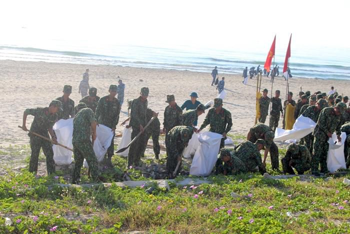 Ra quân chiến dịch 'Hãy làm sạch biển' Ảnh 2