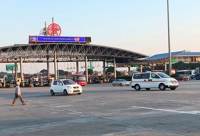 Trạm BOT Pháp Vân - Cầu Giẽ tắc kéo dài trước giờ 'bị dừng' thu phí Ảnh 7
