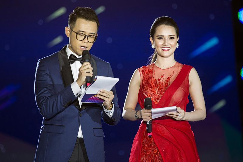 MC Huyền Châu rạng rỡ sánh đôi Đức Bảo tại sự kiện ở Đà Nẵng Ảnh 1