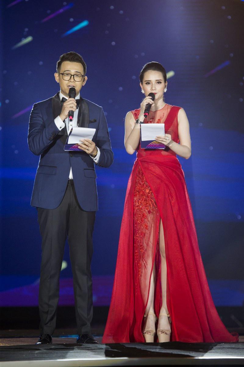 MC Huyền Châu rạng rỡ sánh đôi Đức Bảo tại sự kiện ở Đà Nẵng Ảnh 2