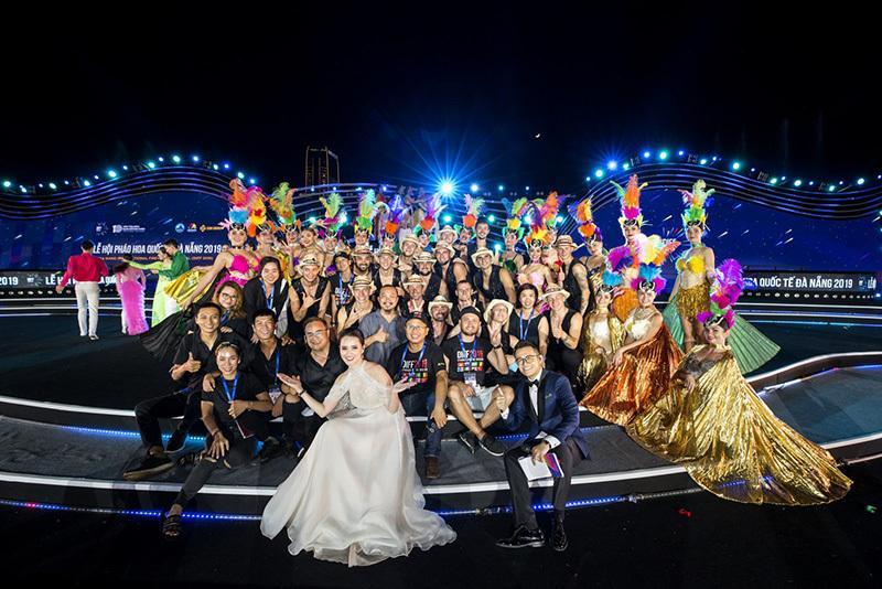 MC Huyền Châu rạng rỡ sánh đôi Đức Bảo tại sự kiện ở Đà Nẵng Ảnh 7