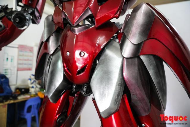 Chiêm ngưỡng Robot 'Siêu to, khổng lồ' được chế tạo từ rác thải nhựa Ảnh 4
