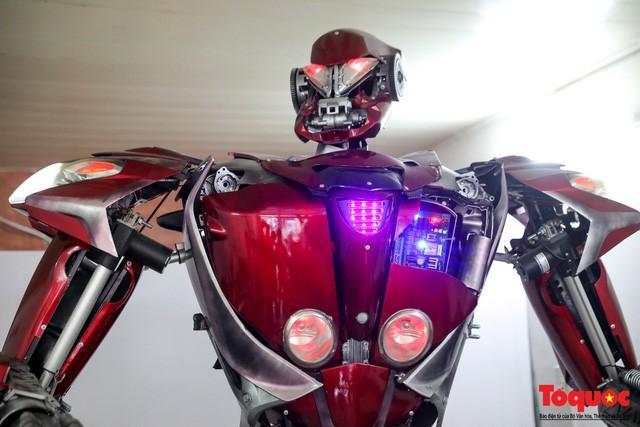 Chiêm ngưỡng Robot 'Siêu to, khổng lồ' được chế tạo từ rác thải nhựa Ảnh 12