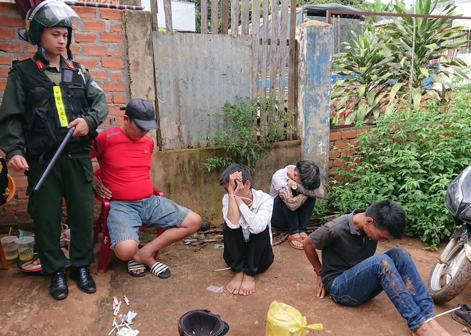 Công an Buôn Ma Thuột triệt phá 5 điểm bán ma túy ở phố núi Ảnh 1