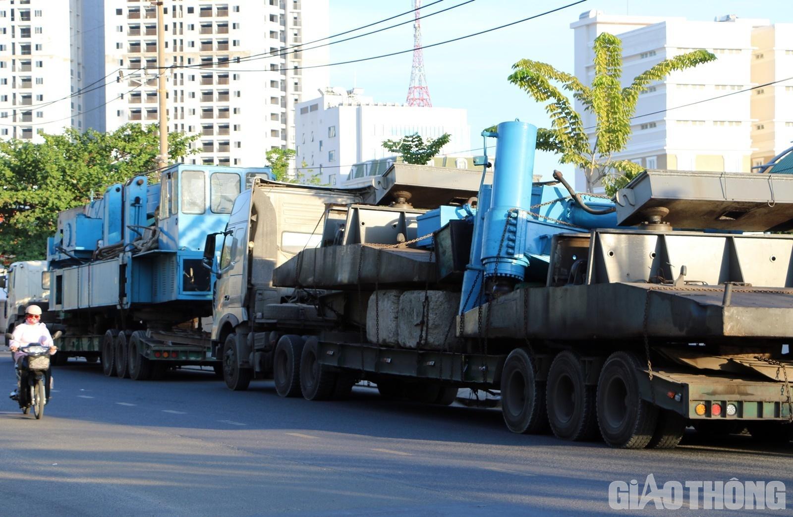Đoàn xe 'khủng' ở Nha Trang bị phạt gần 140 triệu đồng Ảnh 2