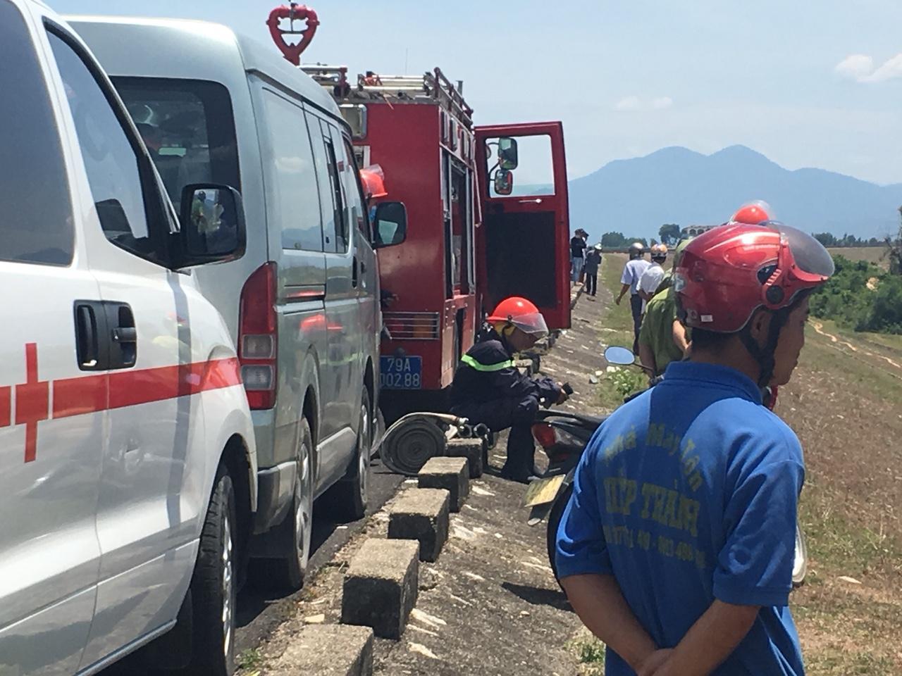 CLIP: Hiện trường vụ rơi máy bay ở Khánh Hòa, 2 phi công tử nạn Ảnh 4