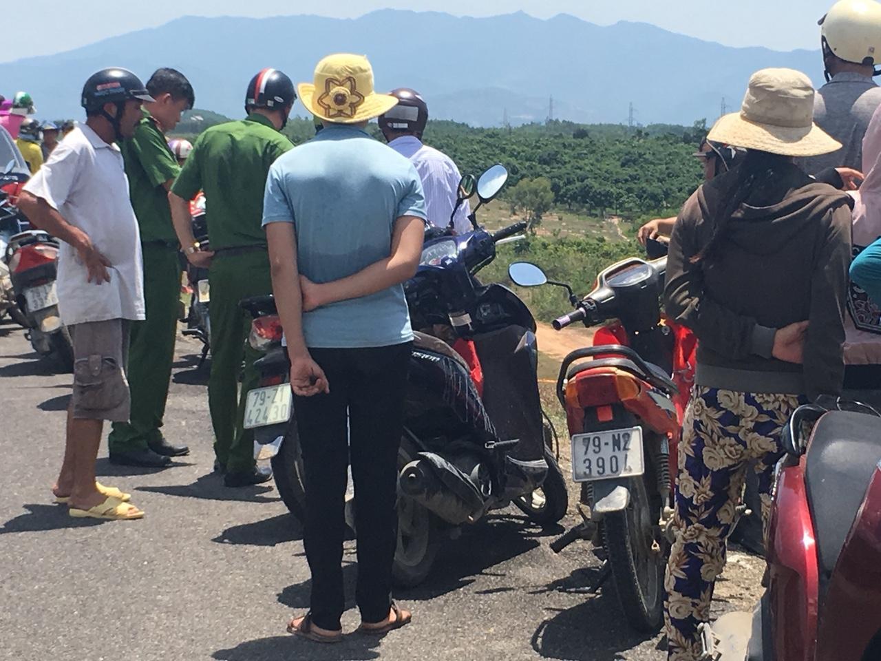 CLIP: Hiện trường vụ rơi máy bay ở Khánh Hòa, 2 phi công tử nạn Ảnh 6