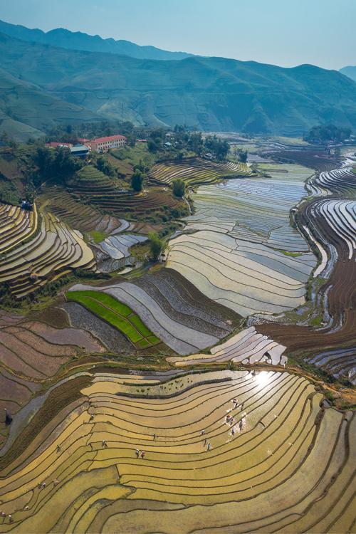 Mùa nước đổ đẹp như tranh ở Lào Cai Ảnh 6