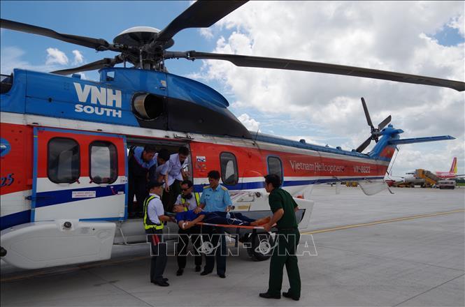 Điều trực thăng đưa chiến sỹ đột ngột trở bệnh từ Trường Sa về đất liền Ảnh 1