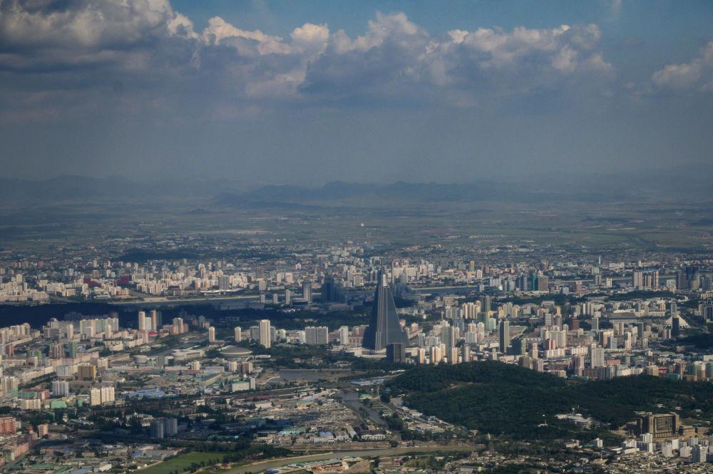 Người Triều Tiên giải nhiệt trong nắng hè Ảnh 1