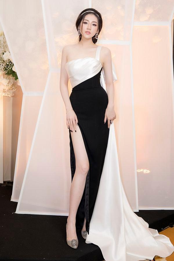 Được khen đẹp hơn sau sinh, Á hậu Tú Anh cuốn hút trong các thiết kế váy sang trọng Ảnh 9