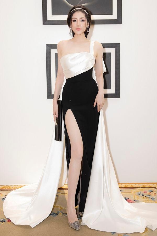 Được khen đẹp hơn sau sinh, Á hậu Tú Anh cuốn hút trong các thiết kế váy sang trọng Ảnh 4