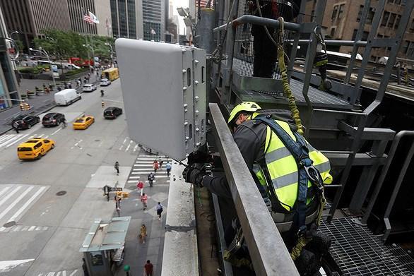 Mỹ muốn siết thêm quy định về các thiết bị 5G Ảnh 1