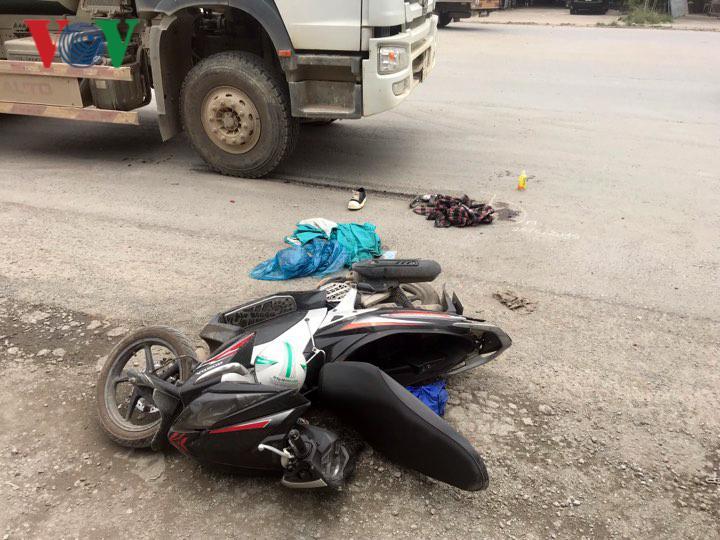 Nam sinh bị xe bồn tông gãy chân trên đường đi thi về Ảnh 1