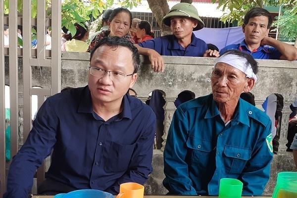 Tai nạn ở Hà Tĩnh, ám ảnh tiếng khóc xé lòng bên những vòng hoa trắng Ảnh 6
