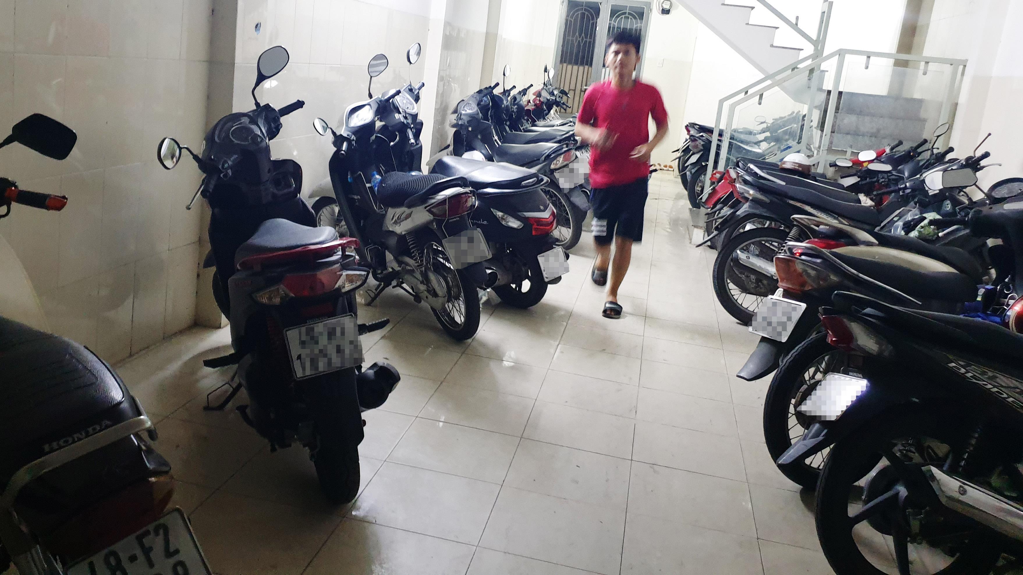 Trộm đột nhập nhà trọ ở Sài Gòn lấy 9 xe máy trong đêm Ảnh 1