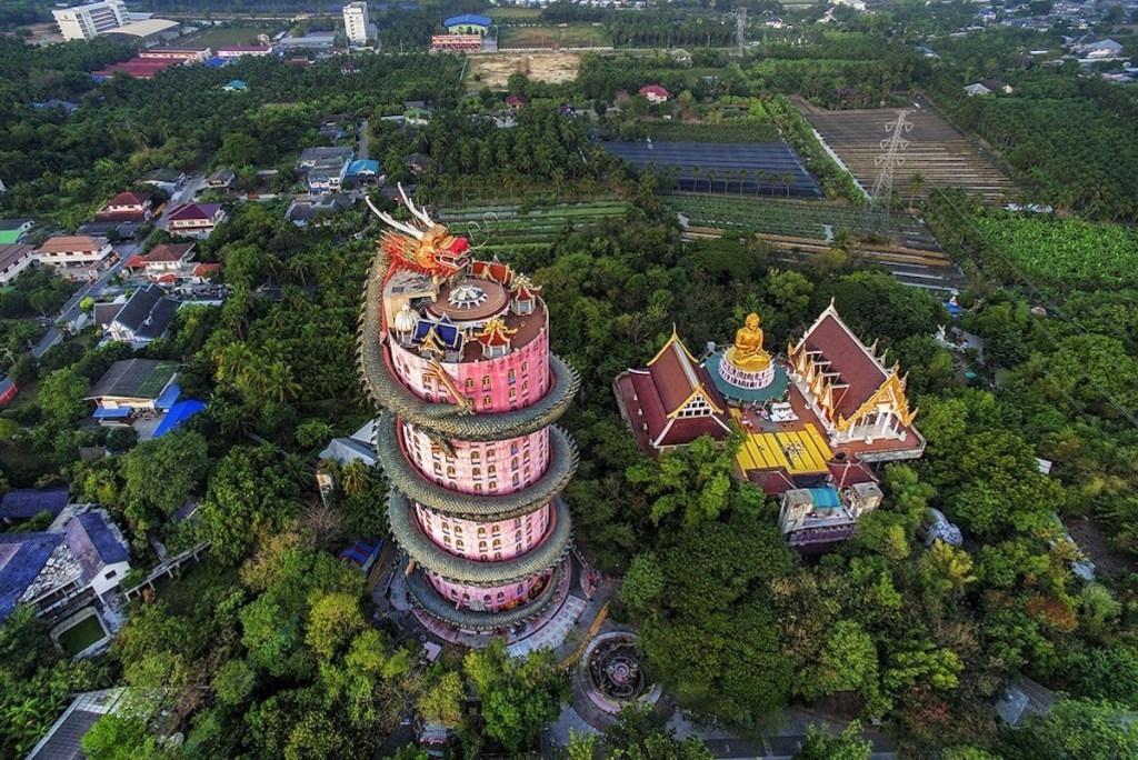 Khám phá ngôi đền rồng Wat Samphran linh thiêng của Thái Lan Ảnh 1