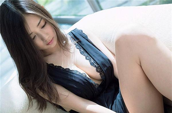 Chiêm ngưỡng đôi gò bồng đảo tuyệt đẹp của mỹ nhân sở hữu vòng một 'nóng bỏng' nhất Nhật Bản Ảnh 10