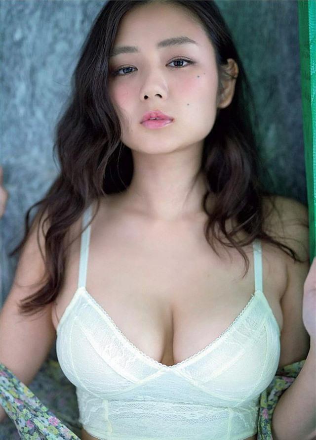 Chiêm ngưỡng đôi gò bồng đảo tuyệt đẹp của mỹ nhân sở hữu vòng một 'nóng bỏng' nhất Nhật Bản Ảnh 1